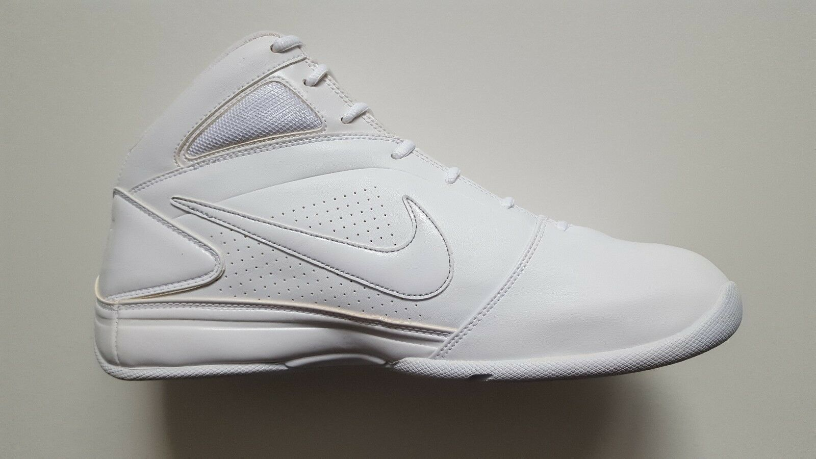 Nike Classic Air Press Basketball shoes UK Size 11 Brand New.