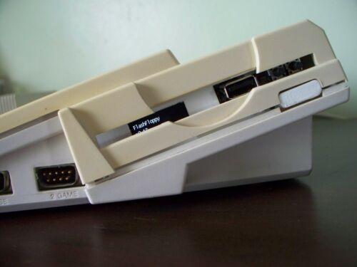 AMIGA 600 Gotek 3D stampato con flash più recente Floppy OLED display bianco