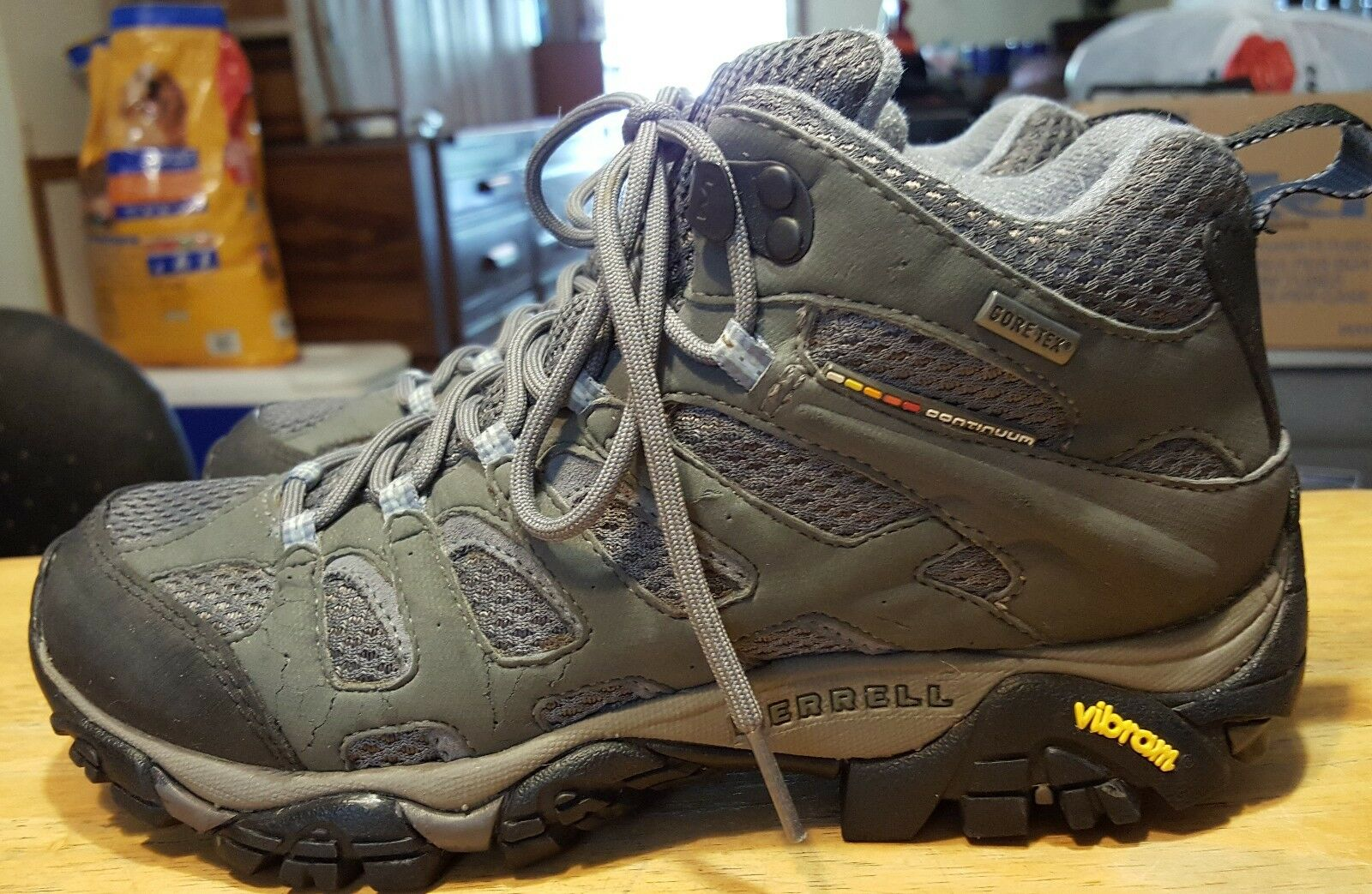 Merrell moab hiking trail boots gray size 6 1/2 leather with laces (euro 37)