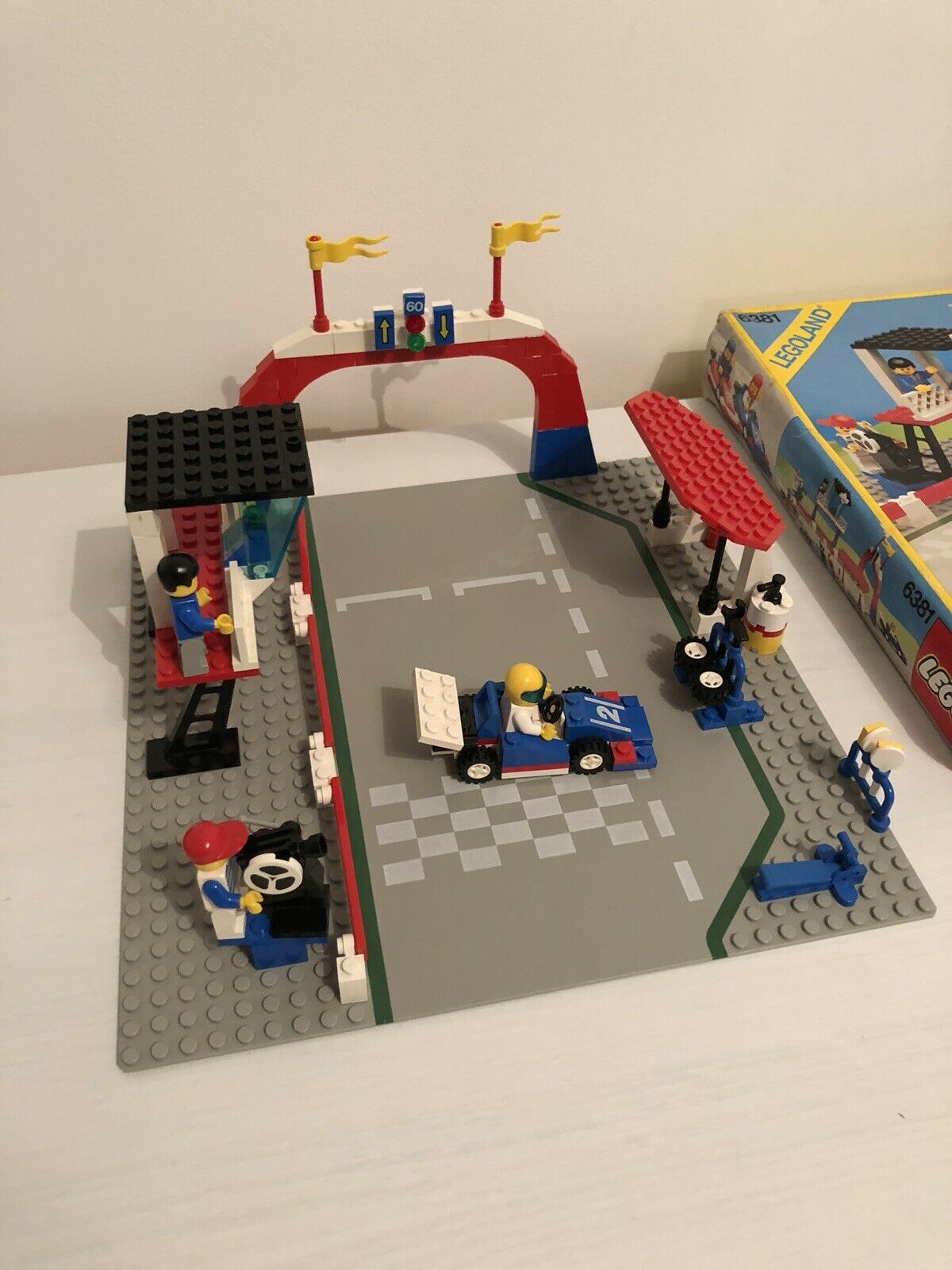 Lego 6381 Motor Speedway - Boxed - CAR 3 MISSING