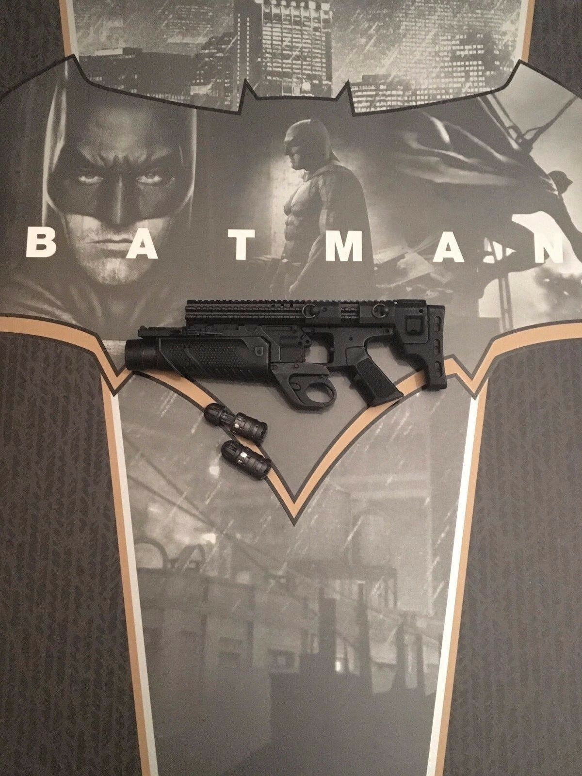 Hot Toys BvS Dawn of Justice Batman MMS342 Grenade Launcher loose 1 6th scale