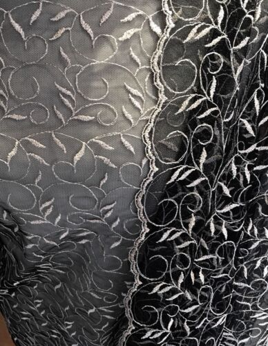 Black /& Silver Metallic Embroidered /& Scalloped Tulle Lace Fabric  115 cm wide