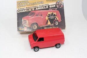 Revell-SnapTite-Charlies-Angels-Chevy-Van-Junkyard-Kit-Built-In-Box-Parts-Repair