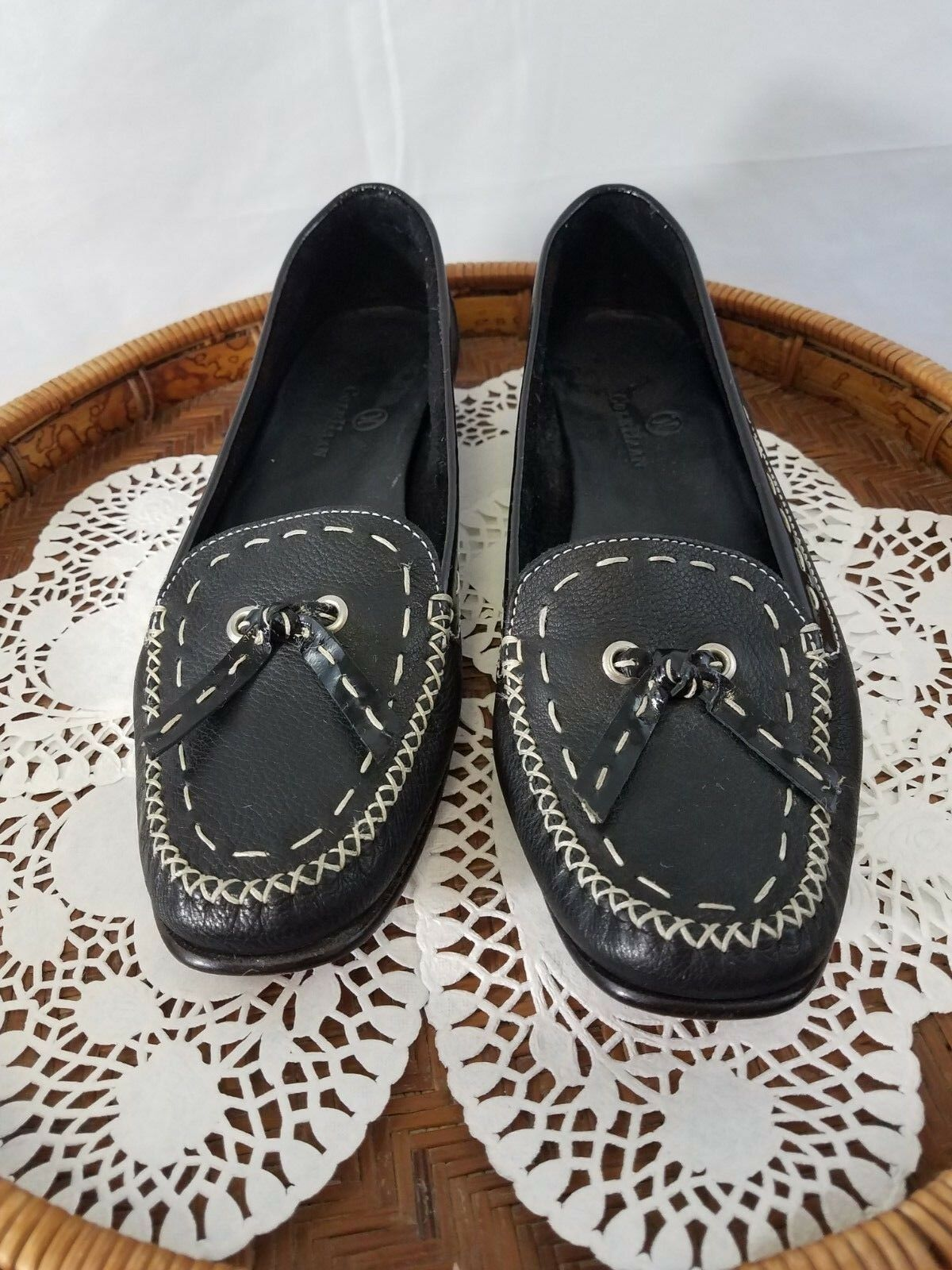Cole Haan woman's loafers black moc toe w/ tassle leather size 71/2 B