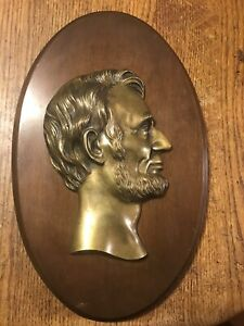 Vintage-Abraham-Lincoln-Oval-Wall-Hang-Plaque-Decoration-Metal-Wood-7-5-x12