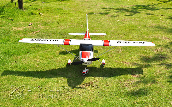 LX 55.12 Inches Cessna182 RC Propeller Airplane Model RTF W  Battery & Radio