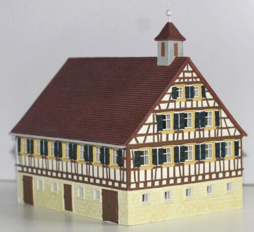 Hornby H0 HC8010 Bauernhaus Detailliertes Fertigmodell Neu