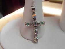 205E mozzafiato in oro bianco 9ct e diamante Mystic quarzo croce pendente