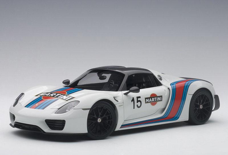 Autoart 2018 Porsche  Spyder Weissach, Paquete BlancoMartini librea 1:18New