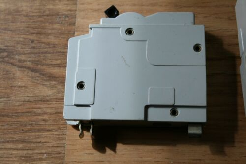 SQUARE D QOE TYPE  3  MCB CIRCUIT BREAKERS  20A 32A 45A