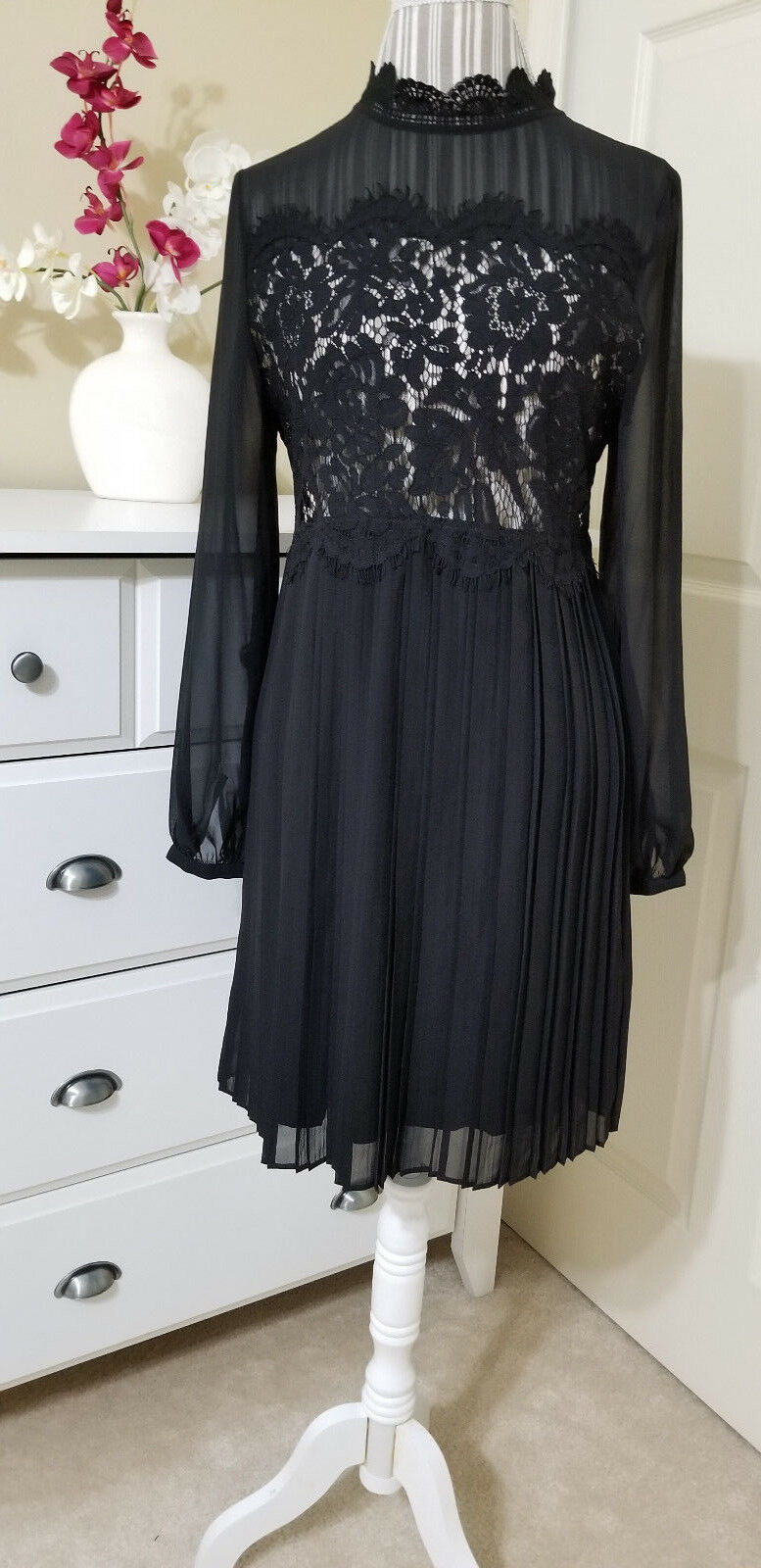 NWT LES PETITES LUX Robe Daniela Ladies schwarz Lace Dress Long Sleeve Sz. S