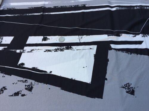 Cotton /& Elastane Printed Jersey /'Graded/', 2.40m x 1.35m piece