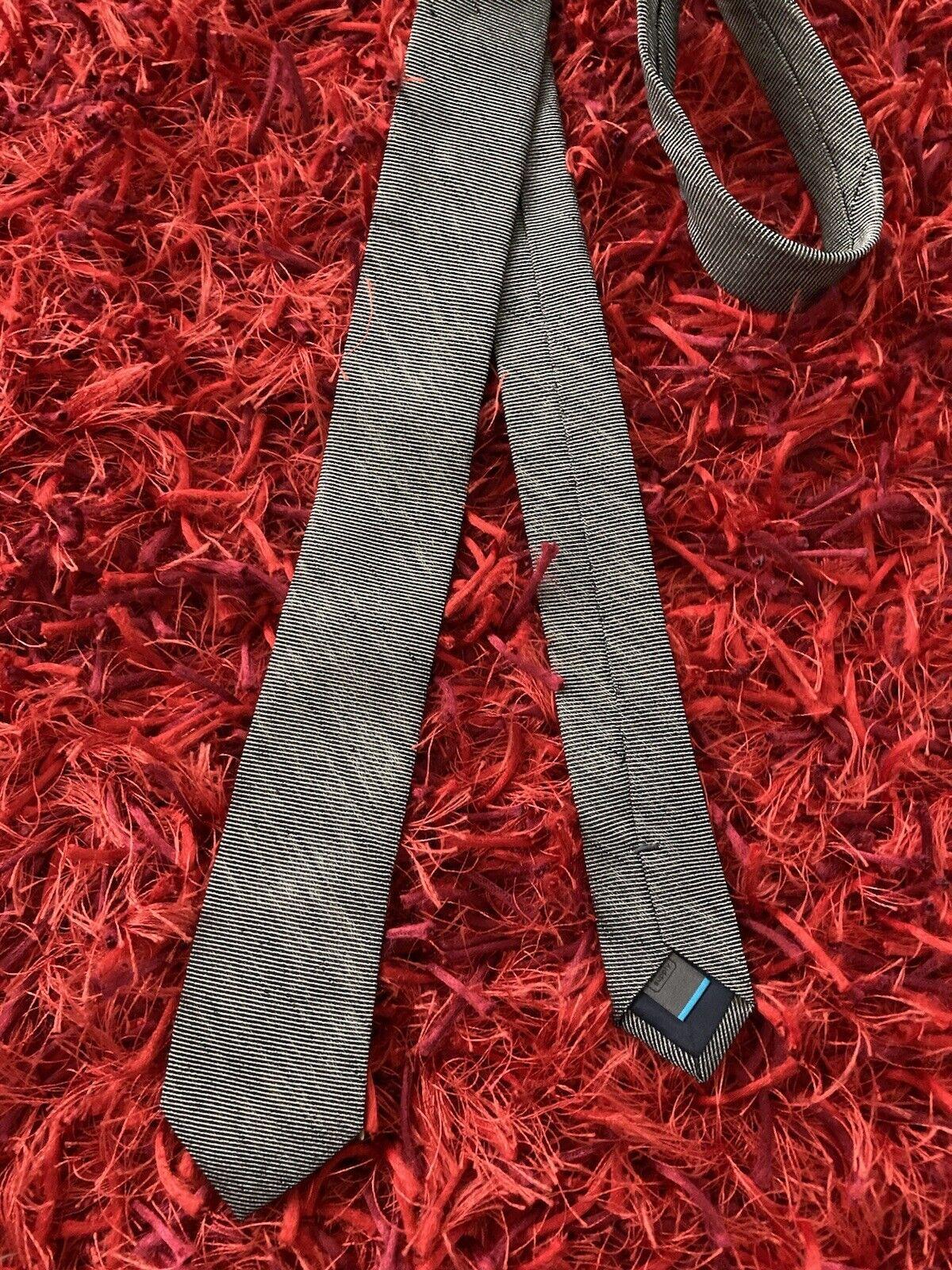 SUITSUPPLY Krawatte Binder Seide Leinen schwarz grau dezent HINGUCKER edel