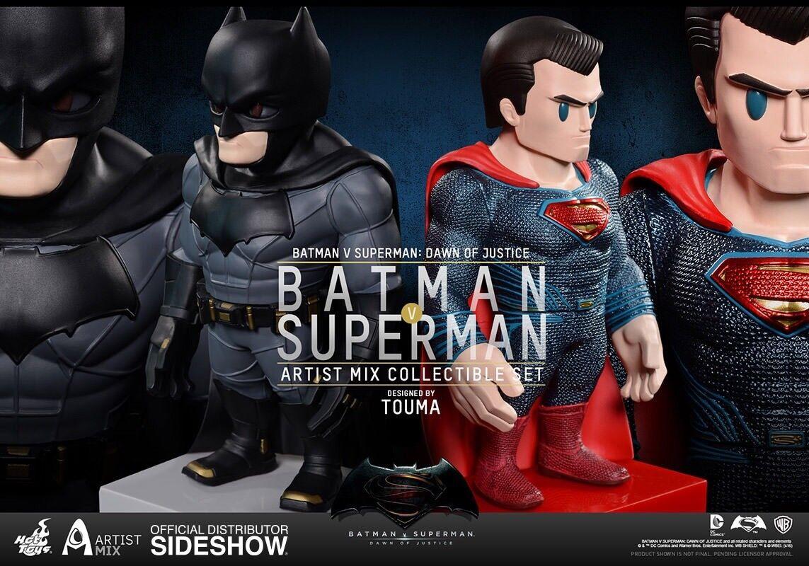 Batman Batman Batman and Superman Figures Collectible Set By Hot Toys   Sideshow SS902640 00927c