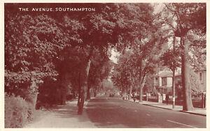 R278830 Southampton. The Avenue. E. T. W. Dennis. Postcard