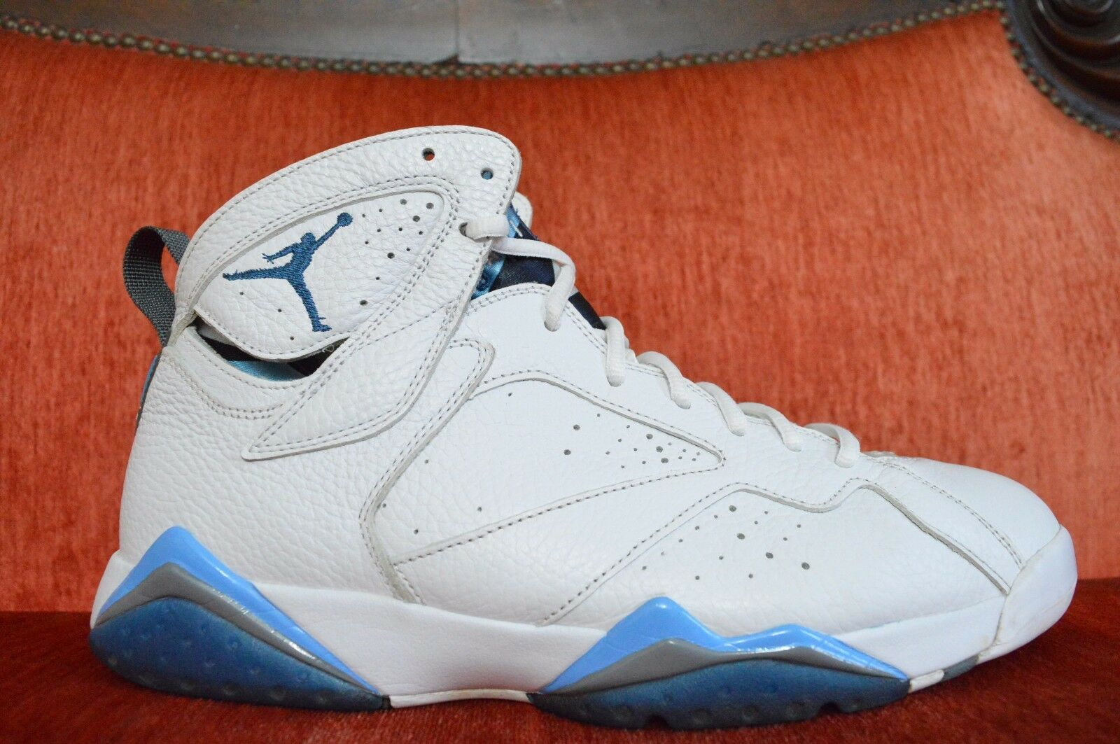 NIKE AIR JORDAN 7 RETRO 304775-107 WHITE-FRENCH blueE-UNIVERSITY blueE SIZE 11.5
