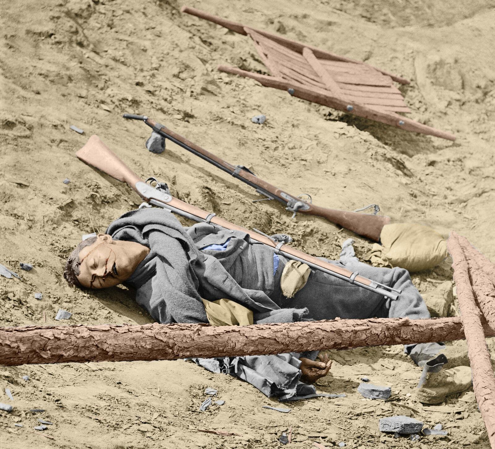 Dead Rebel Soldier Petersburg, VA Farbe Tinted photo Civil War 02539
