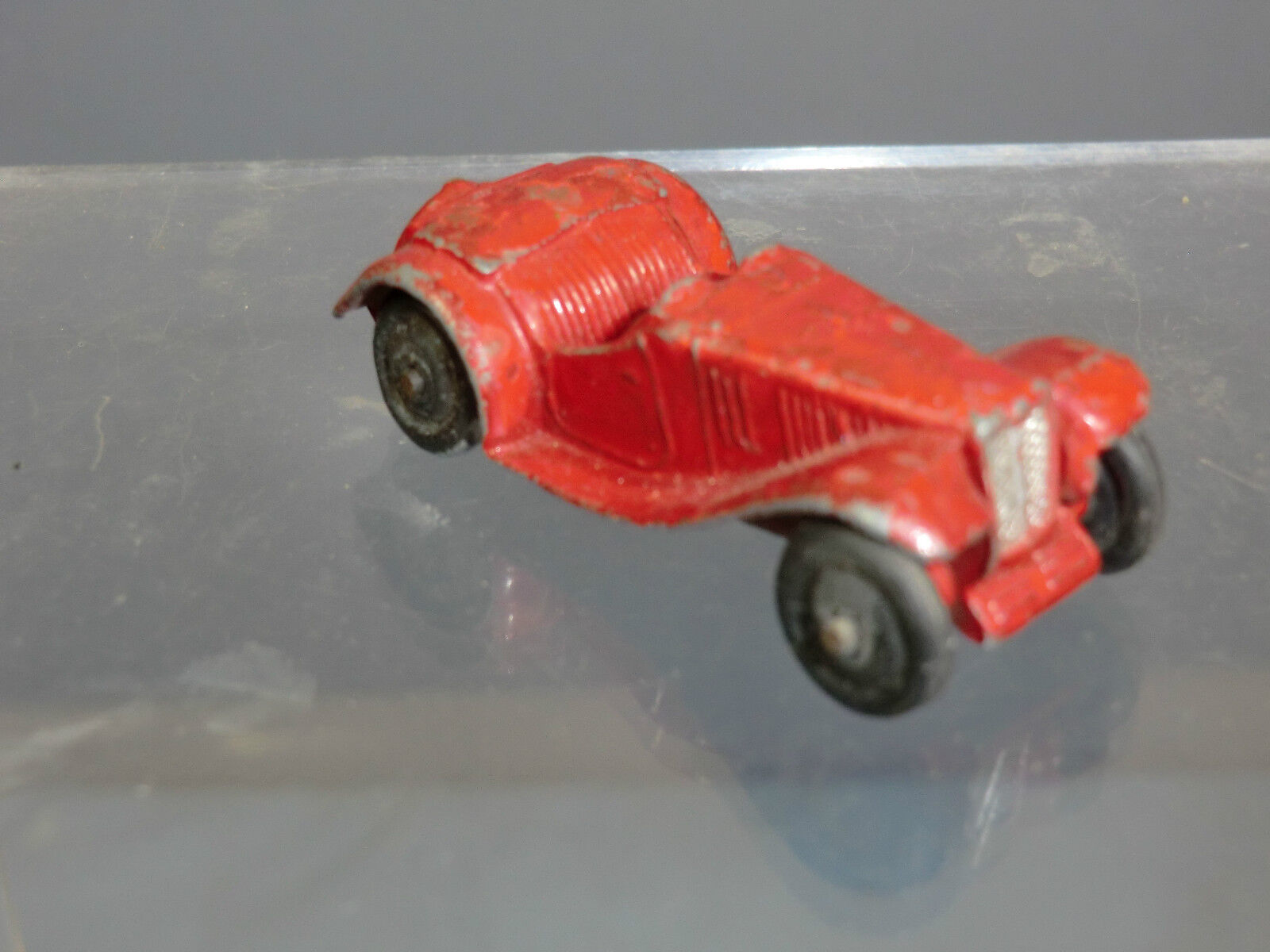 VINTAGE DINKY TOYS MODEL  No.35c  MG SPORTS CAR    R TYPE  (Red Version)