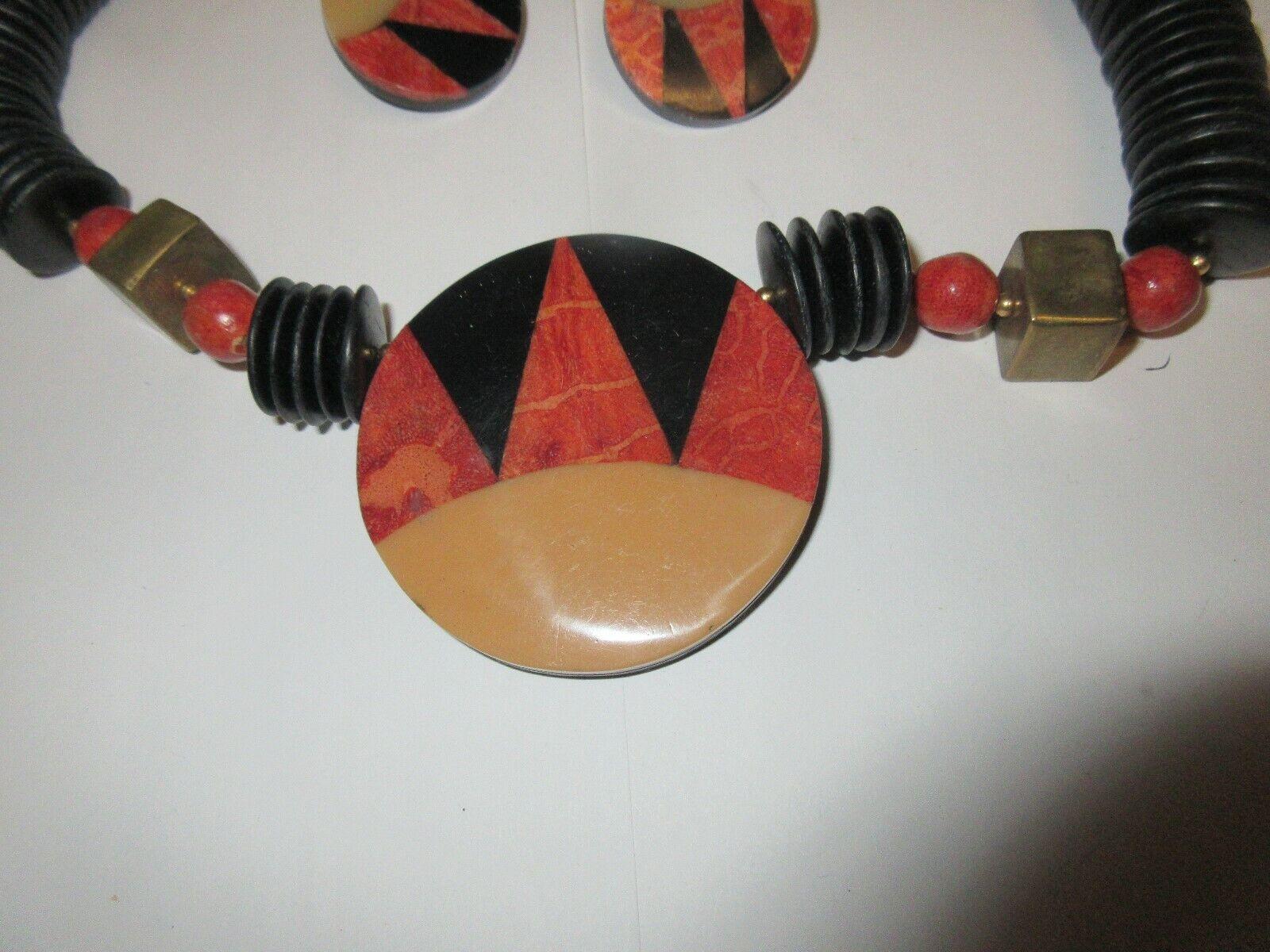 Costume Jewelry ,Vintage ,Black/Tan/Orange ,Necklace 16