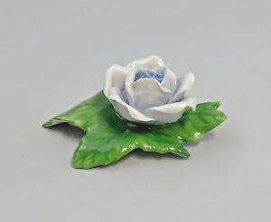 9959048-Porzellan-Tischblume-Rose-hellblau-Ens-handmodelliert-5-5x4cm