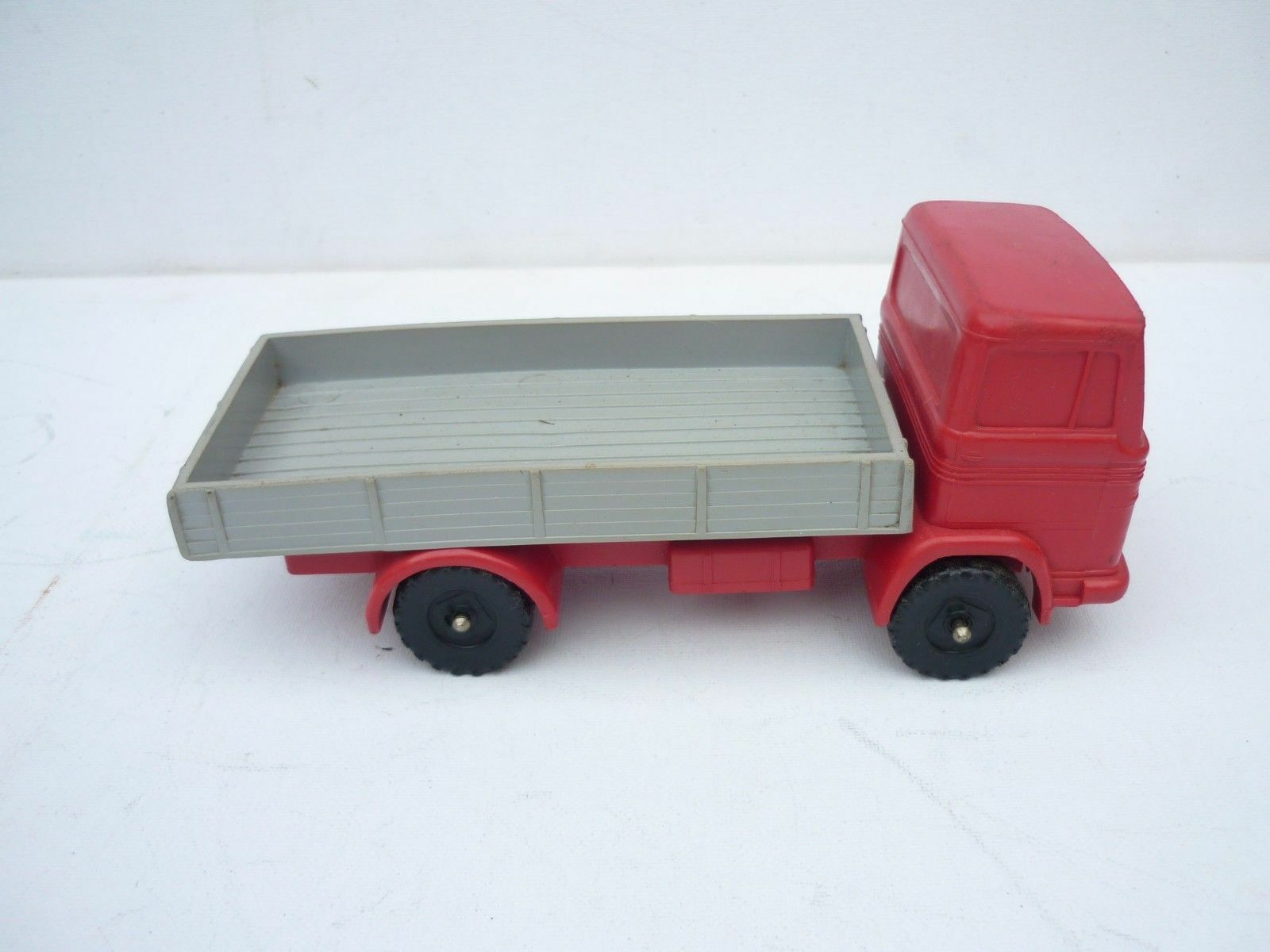 PN TOYS GERMANY MERCEDES BENZ PLASTIC RUBBER RUBBER RUBBER KIPPER ABOUT 1/24 DIECAST RARE ceafbe