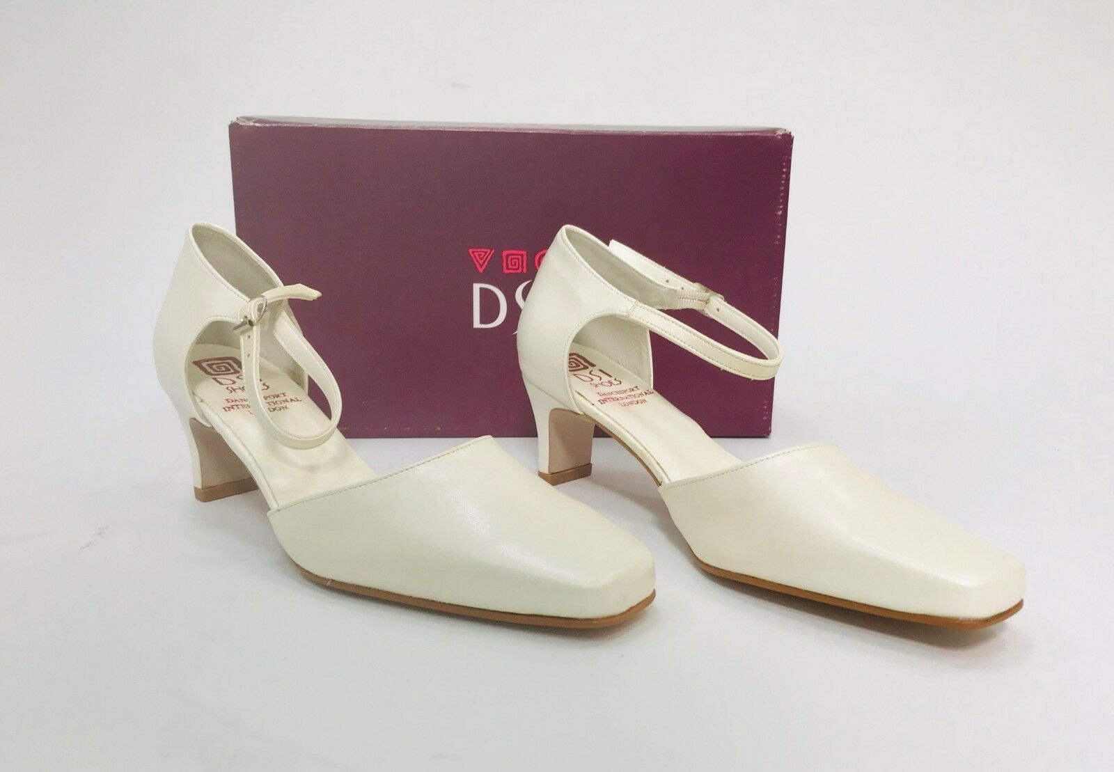 Woman's Vintage Wedding shoes Leather- women