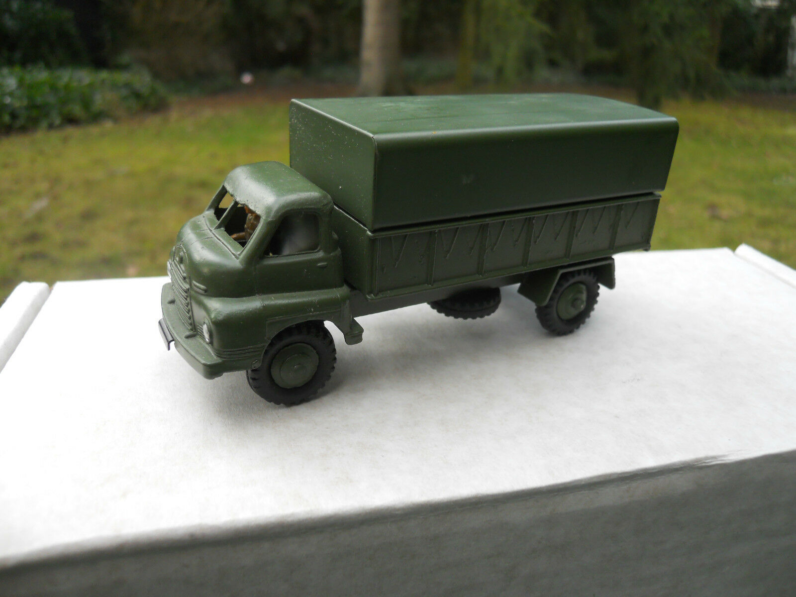 DINKY TOYS MILITAR meccano ltd REF 621 3- TON ARMY WAGON MINT NO BOX