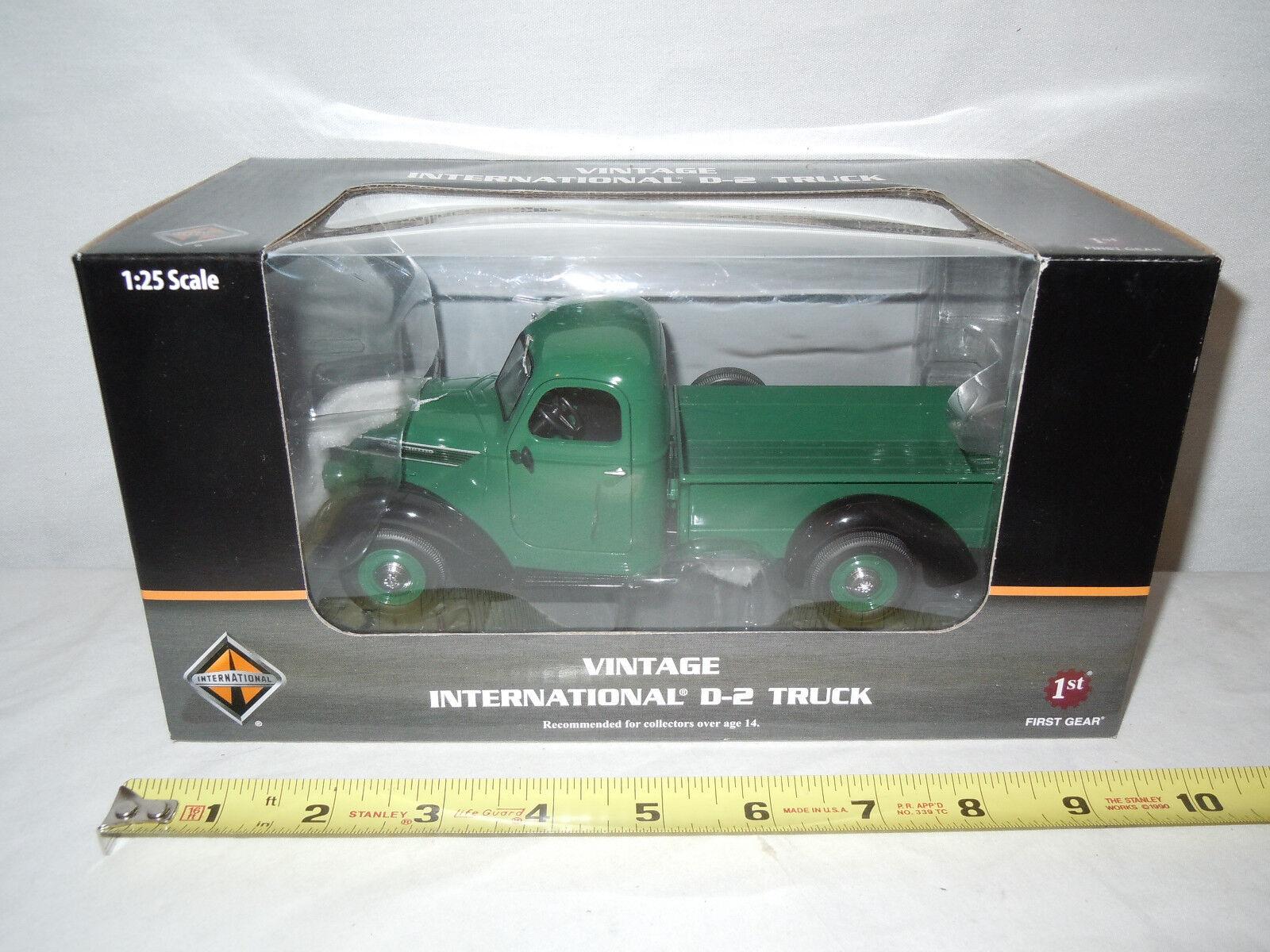 Vendimia verde oscuro internacional D-2 D-2 D-2 camión por First Gear 1 25th Escala f81e3d
