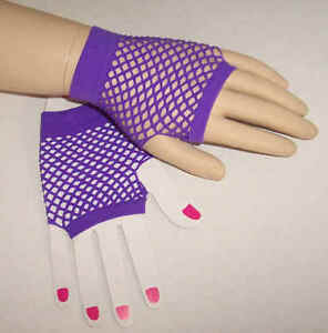 Fishnet-mesh-fingerless-gloves-1980s-retro-80s-Purple-short-wrist-ladies