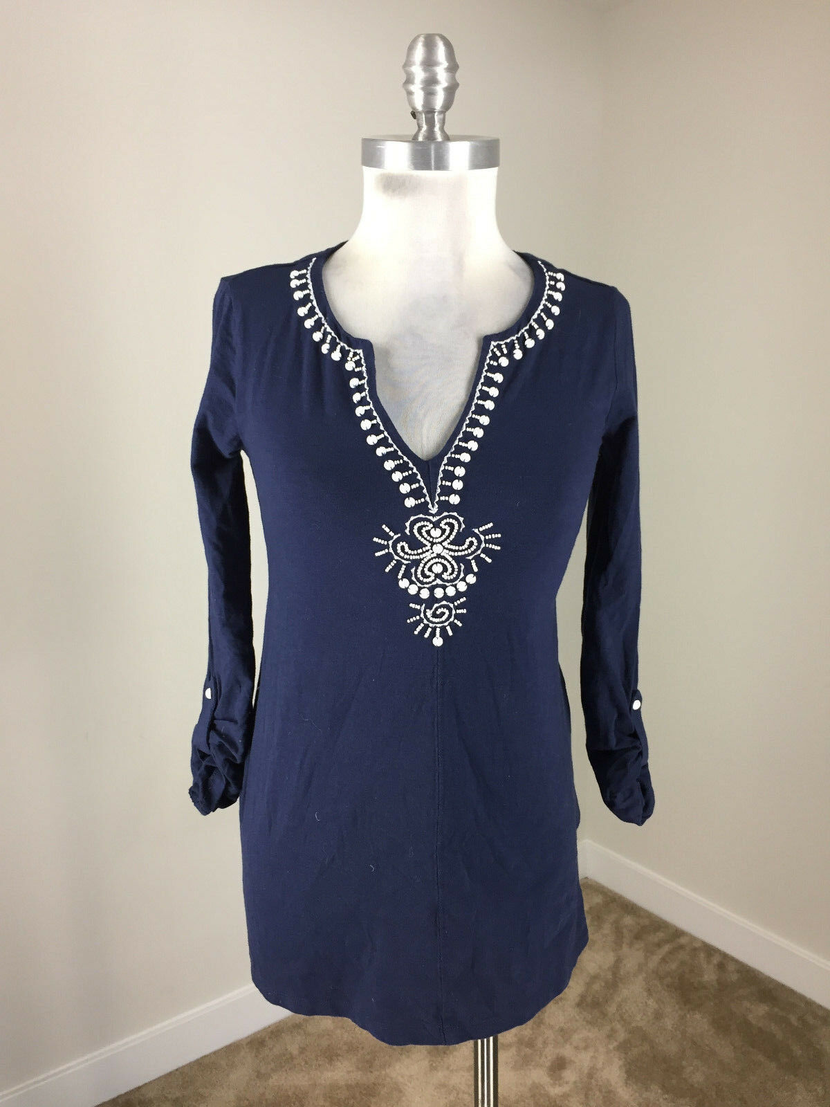 Lilly Pulitzer XS Navy Blau Weiß Embroiderot Embellished Tunic 3 4 roll tab sle