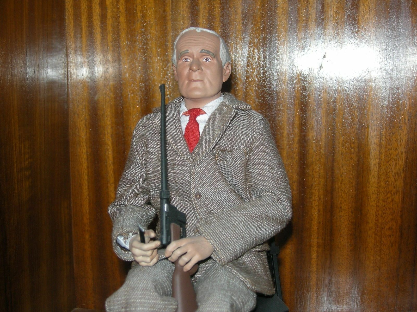 16 James Bond 007 agente Desmond Llewelyn como Q Figura Sideshow DID