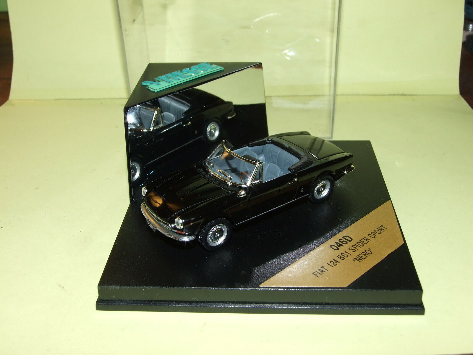 FIAT 124 BS1 SPIDER SPORT black VITESSE 046D