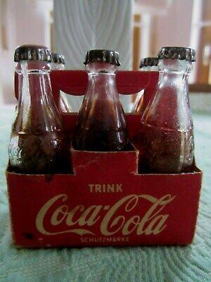Alter Träger Mit Werbeflächen Mit 6 Cocacola-flaschen Für Kaufmannsladen-zubehör