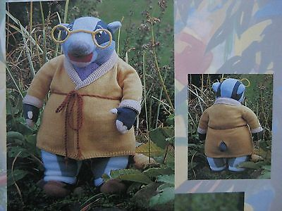 """DK Knitting Pattern For Toad Frog Animal Toy 6/"""" In Height"""