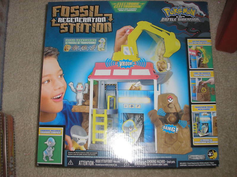 New Pokemon fossil Regeneration Station w/ Cranidos