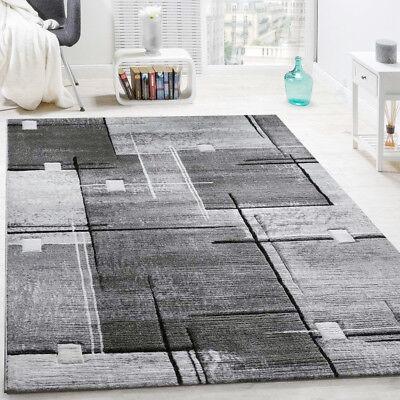 Geometric Pattern Rug Grey Living Room
