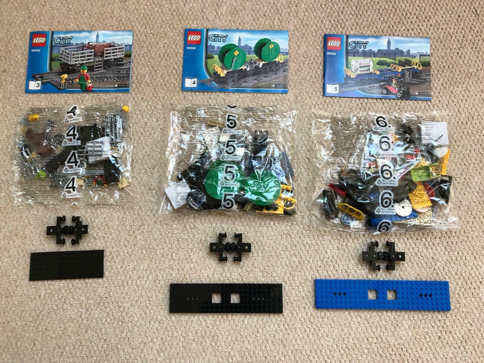 NEW - LEGO City 60052 Rolling Stock   Wagons - BNISB + FREE P&P