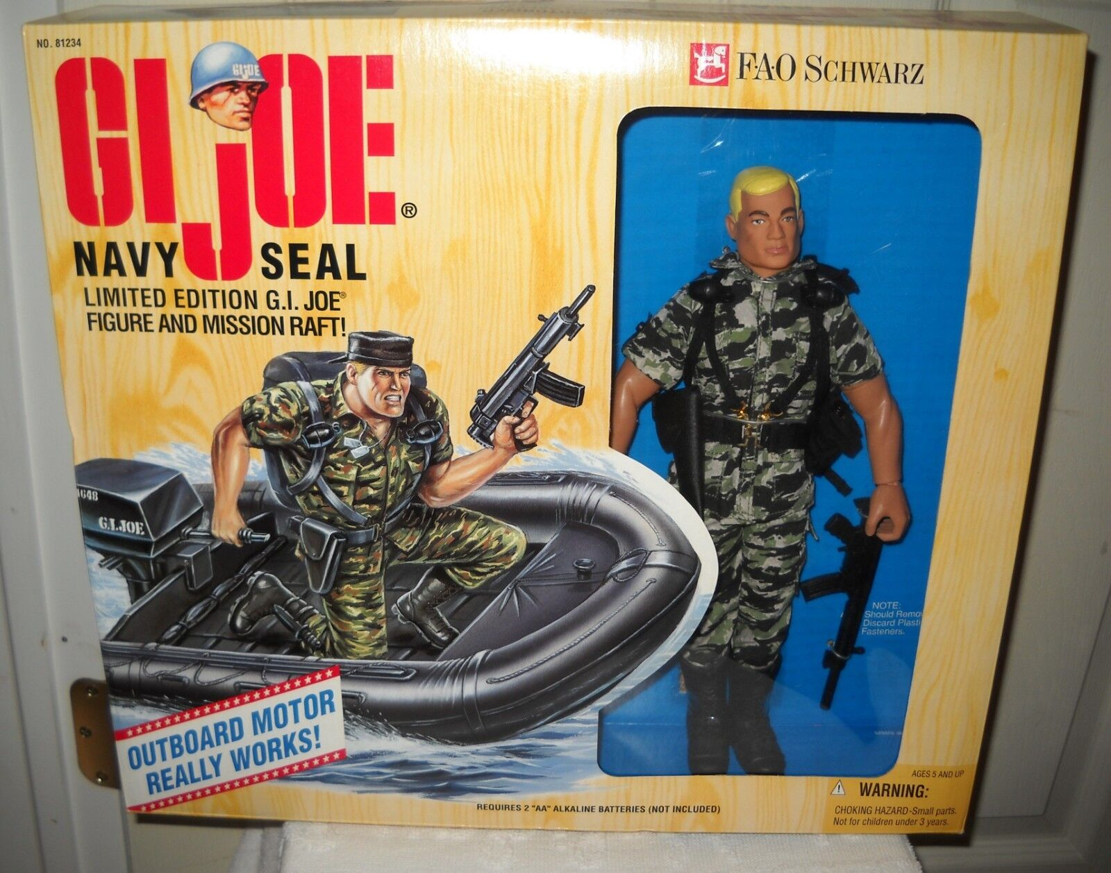 NRFB Hasbro FAO black Toy Store GI Joe 12  Navy Seal & Mission Raft