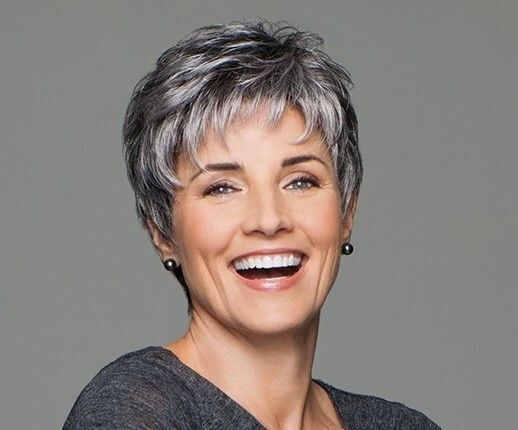 Short Pixie Cut Ombre Silver Grey Wigs Woman Natural Gray
