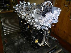 Toyota 3RZ  ENGINE  2.7  8 Port INTAKE WITH OUT DISTRIBUIDOR NO CORE REQUIRED