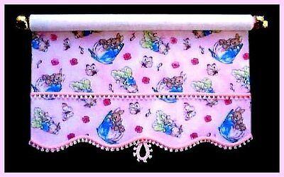 Compiacente Pretty Pink Peter Rabbit Tenda A Rullo/tenda Per Dolls House-da Sylvia Rose-mostra Il Titolo Originale