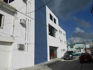 Se Vende Edificio Comercial en el Centro de Cancún sobre Avenida