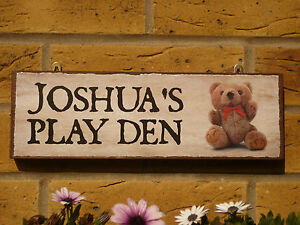 PERSONALISED-GARDEN-SIGN-KIDS-SIGN-PLAY-DEN-SIGN-PLAYHOUSE-WENDY-HOUSE-TEDDYBEAR