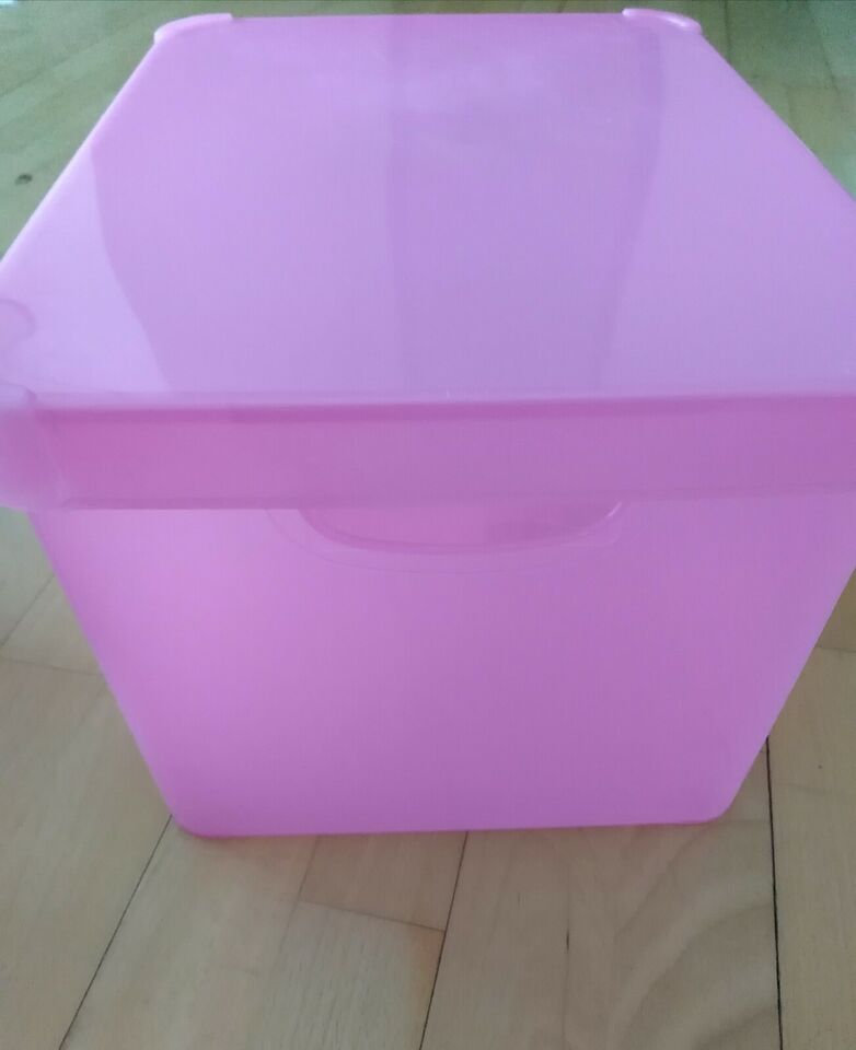 Pink Plastikkasse med låg. Småopbevaring. , Curver