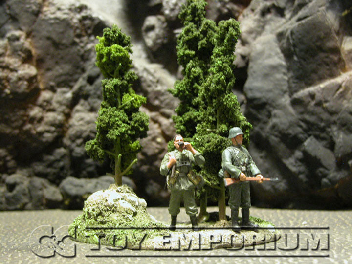 RETIRED   Build-a-Rama 1 32 Hand Painted WWII Green Tree Group