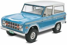 Revell  Ford Bronco early body style 1/25 plastic model car truck kit new 4320