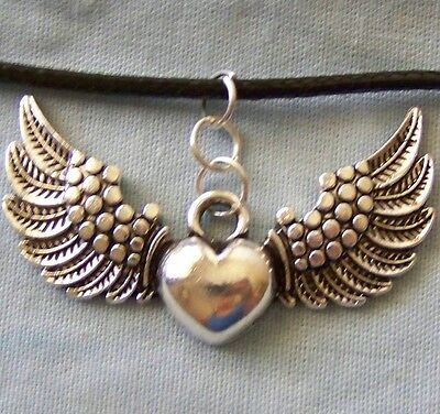 LARGE ~ HEART_WITH_WINGS ~  NECKLACE  --- (GREAT_CHRISTMAS_GIFT)