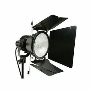 Details About Calumet V1000 Bravo Video Light With Barn Doors
