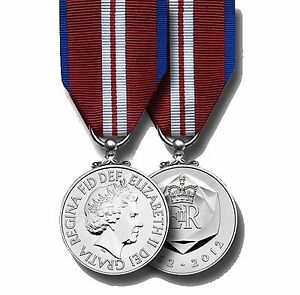 Official-Queens-Diamond-Jubilee-Full-Size-Medal-and-Ribbon-first-to-get-them