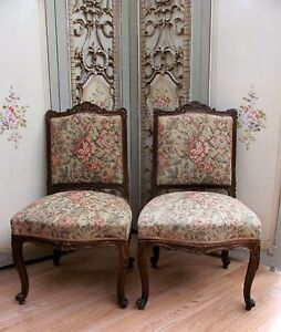 GORGEOUS-PAIR-OF-ORNATE-ANTIQUE-FRENCH-FIRESIDE-CHAIRS-C1920